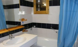 surf-bathroom
