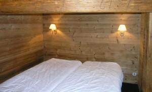 surf-bedroom2