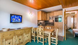 vallon-1-room-large-kitchen
