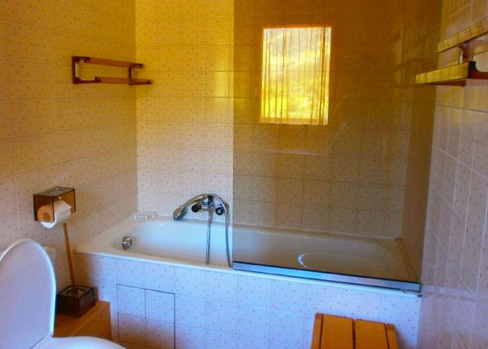 valon-bathroom