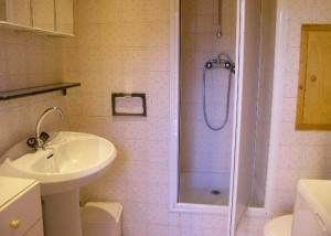 valon-bathroom2