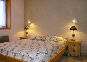 valon-bedroom2