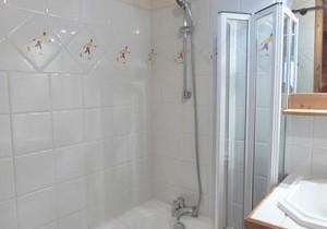 Jardin-D-Eden-bathroom