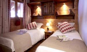 Les-fermes-twin-bedroom